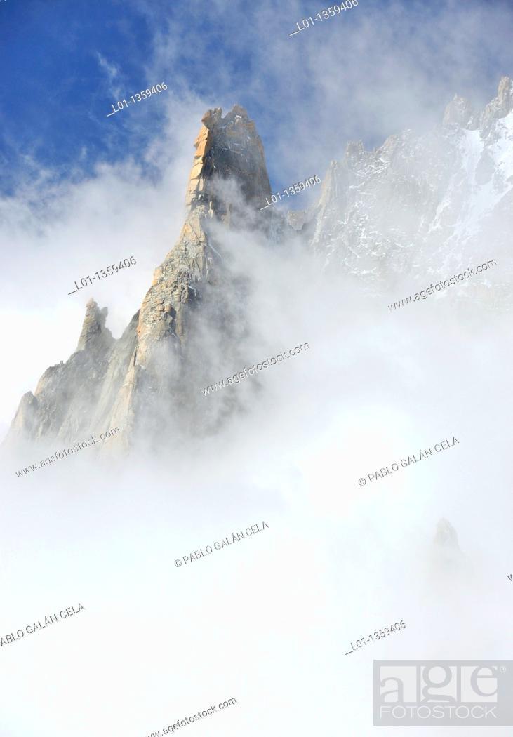 Stock Photo: Macizo del Mont Blanc, Alpes Francia/Italia.