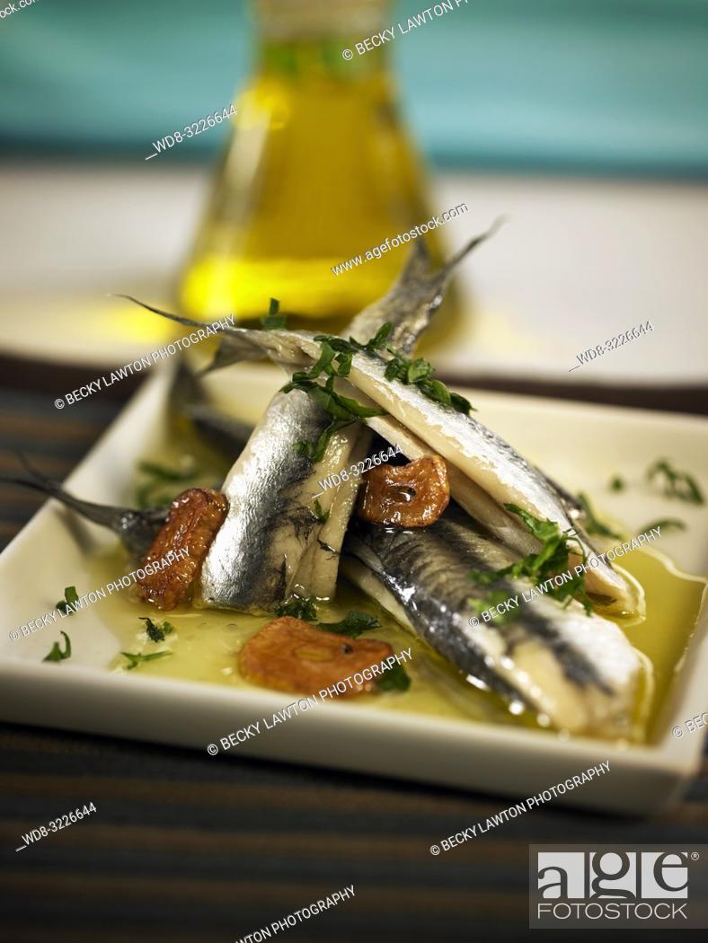 Imagen: platillo de anchoas al vino blanco / anchovies in white wine.