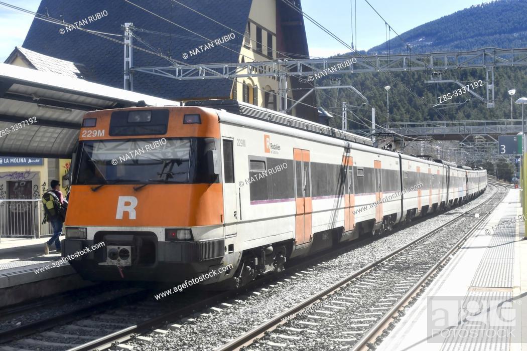 Imagen: Commuter train, La Molina, Girona, Catalonia, Spain.