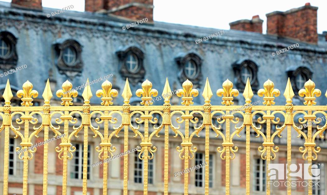 Photo de stock: Versailles Palace Park golden gate details. France.