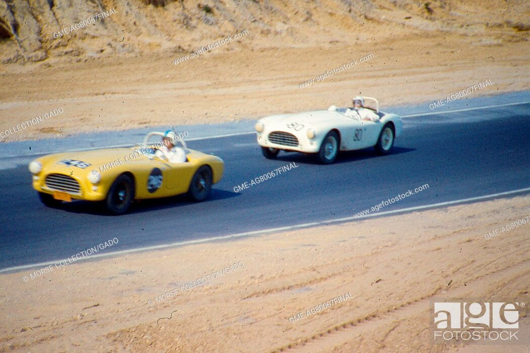 Imagen: Action view at speed of Mr. Jordan King driving his yellow AC Ace Bristol No. 246 sports car during the SCCA National Races at Bridgehamton, New York, 1959.