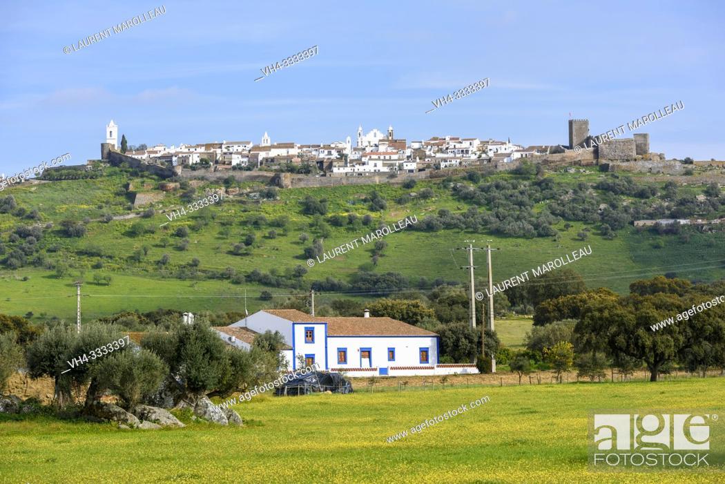 Stock Photo: View over the city of Monsaraz, Reguengos de Monsaraz Municipality, Evora District, Alentejo Region, Portugal, Europe.