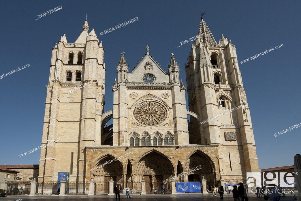 Photo de stock: Main facade, Cathedral of Santa María de Regla, city of Leon, province of León, Castilla y León Region, Spain, Europe.