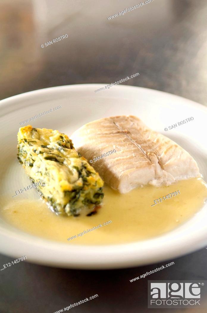 Stock Photo: Pike with white butter and potato & spinach soufflé, restaurant Les Tonnelles by chef Gérard Bossé, Béhuard, Marne-et-Loire, Pays de la Loyre, France.