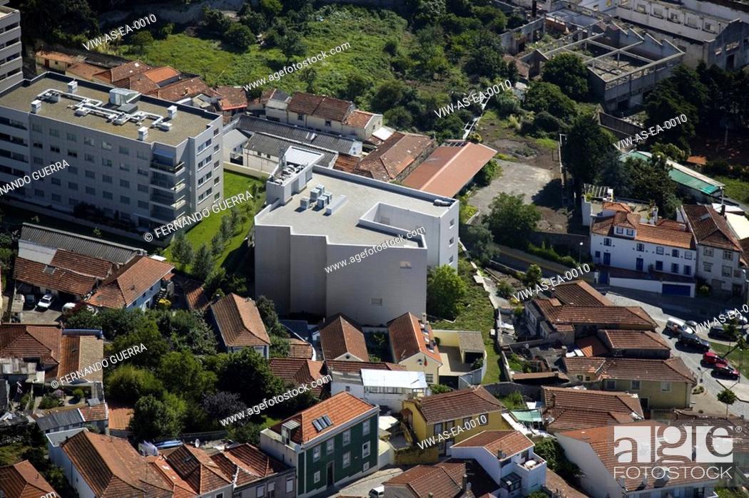 Stock Photo: ARCHITECTURAL OFFICE, ESCRITÓRIO DE ARQUITECTURA. PORTO, PORTUGAL, 1998.