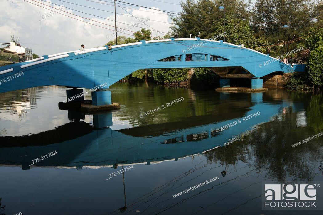 Stock Photo: Blue bridge over Mandovi River, Old Goa, UNESCO World Heritage Site, Goa State, India.