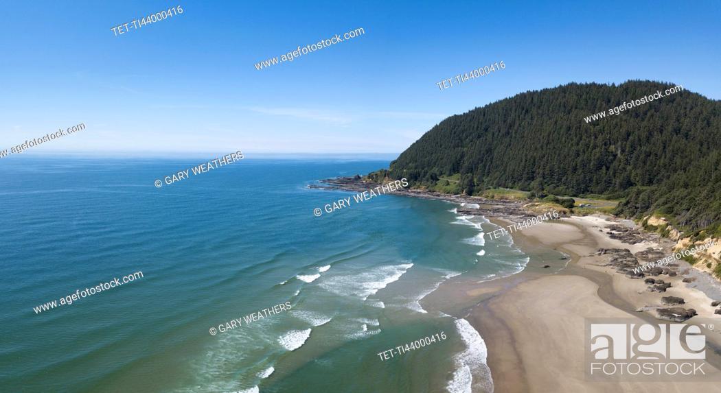 Stock Photo: USA, Oregon, Headland, Aerial view of beach.