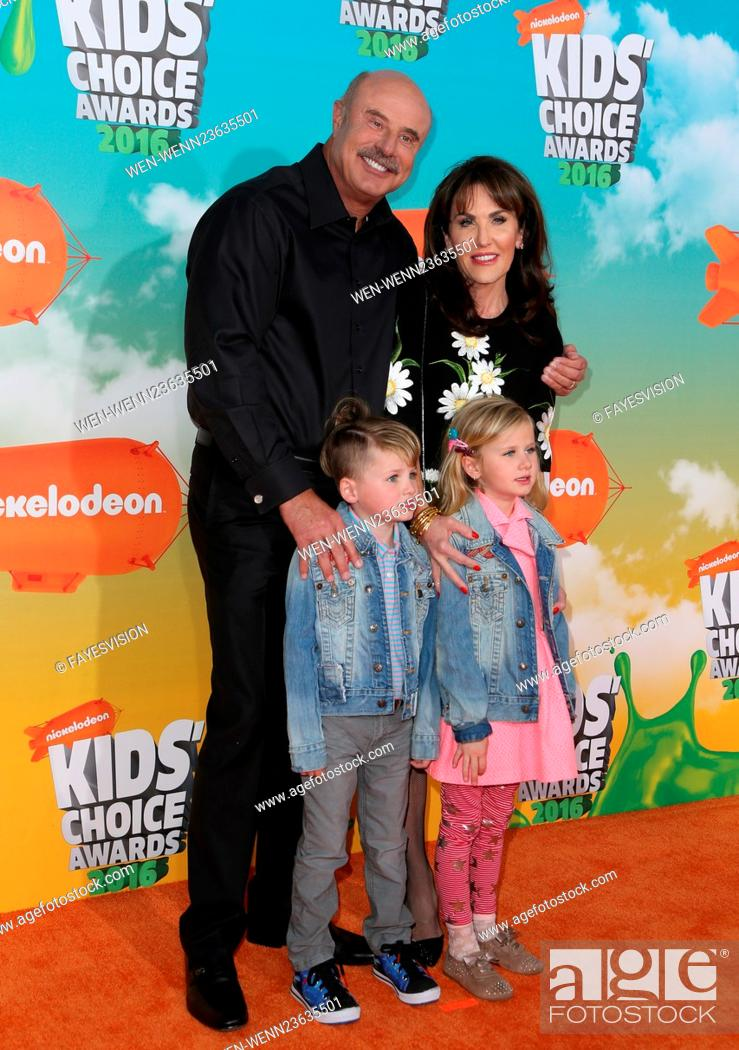 Stock Photo: Nickelodeon Kids' Choice Awards 2016 - Arrivals Featuring: Dr. Phil McGraw, Robin McGraw, Avery, London Where: Inglewood, California.