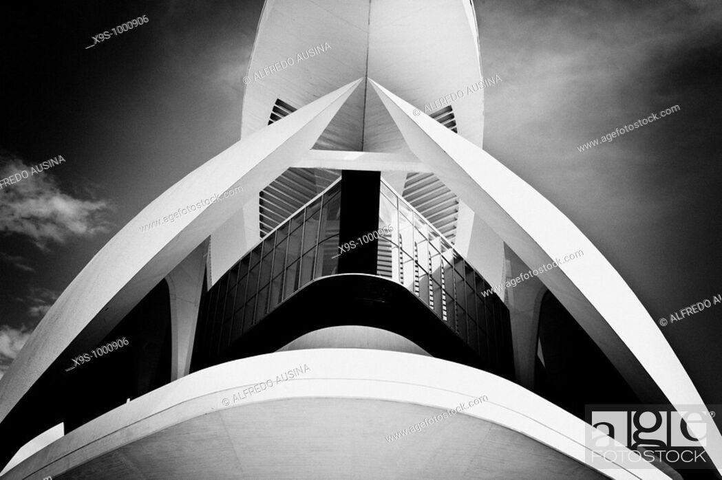 Stock Photo: Palacio de las Artes Reina Sofia, City of Arts and Sciences by Santiago Calatrava, Valencia. Comunidad Valenciana, Spain.