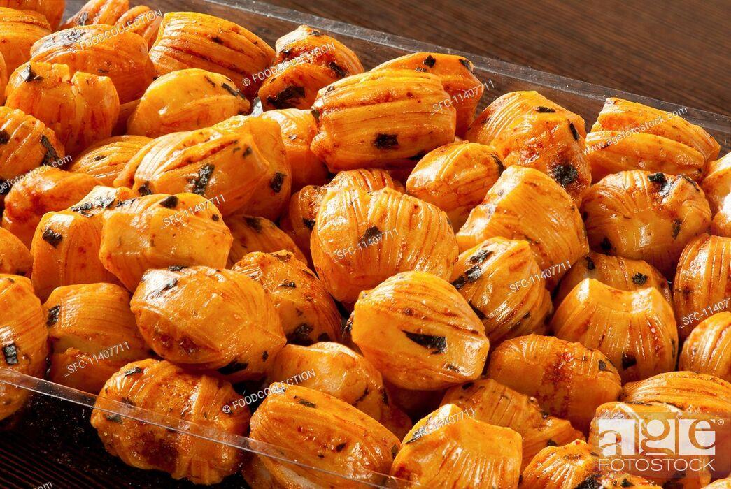 Imagen: Rice cracker chilli balls (Thai snack).
