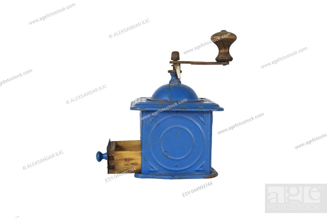 Imagen: Vintage Coffee Mill Isolated on White Background.