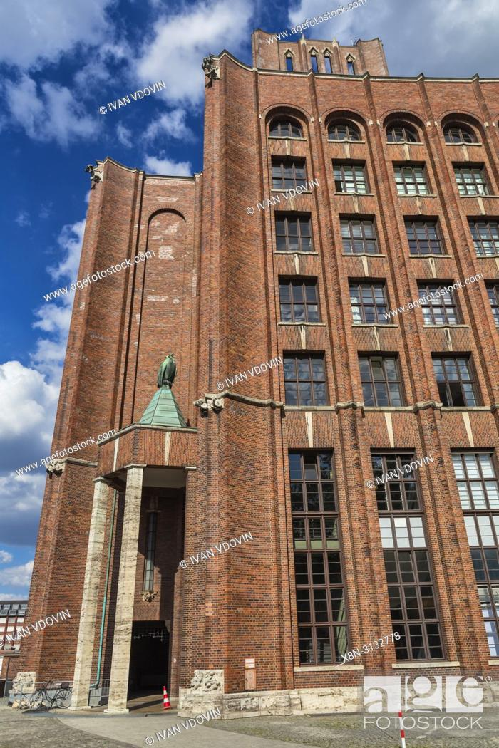 Stock Photo: Ullsteinhaus, Ullstein Verlag building (1927), Tempelhof, Berlin, Germany.