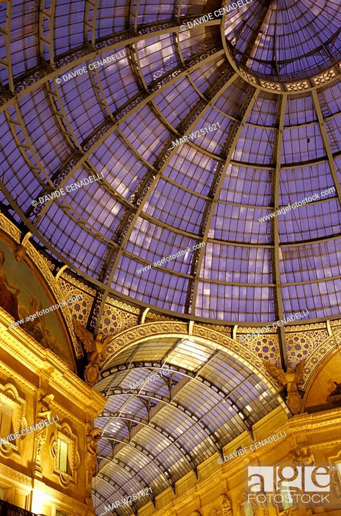Stock Photo: europe, italy, lombardia, milan, galleria vittorio emanuele.