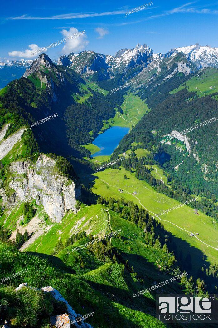 Imagen: view from Hoher Kasten, Appenzell,.