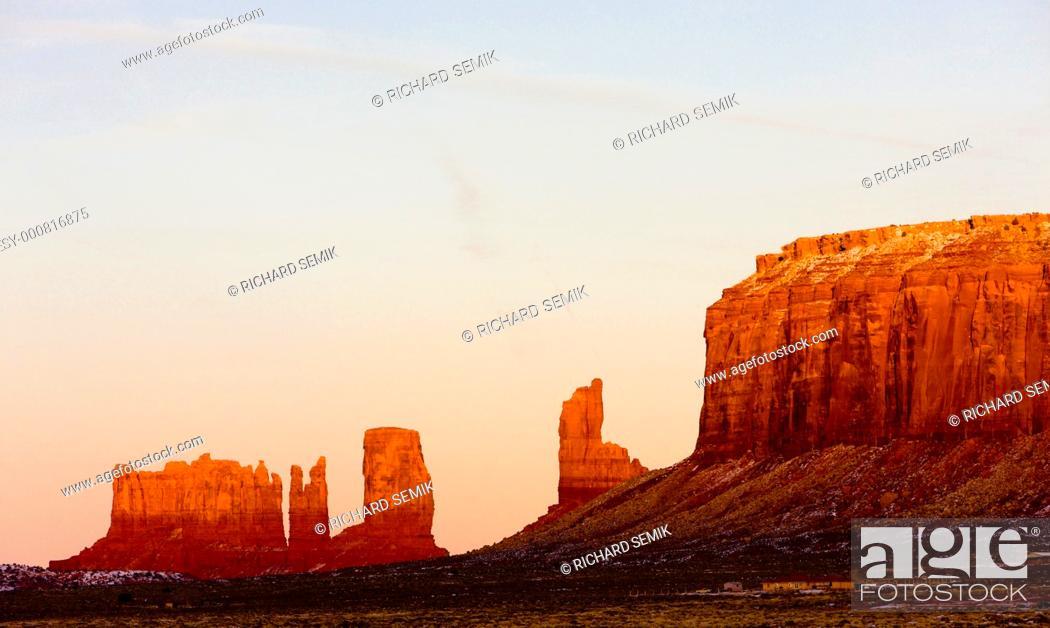 Stock Photo: Monument Valley National Park, Utah-Arizona, USA.
