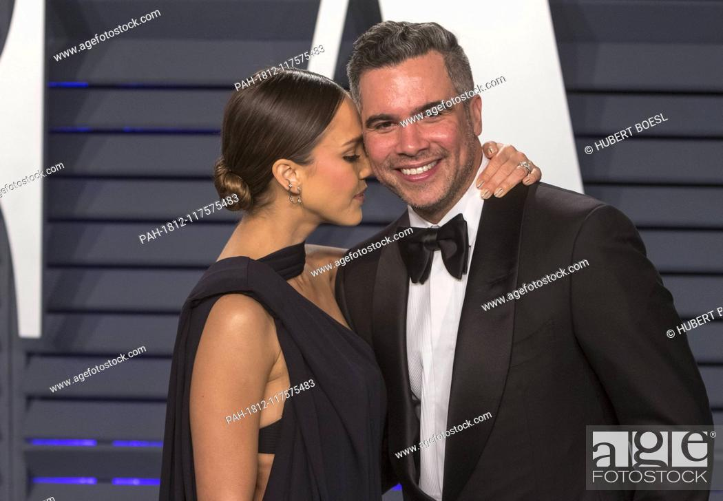 2aea2d408f0 Stock Photo - Jessica Alba and Cash Warren attend the Vanity Fair Oscar  Party at Wallis Annenberg Center for the Performing Arts in Beverly Hills
