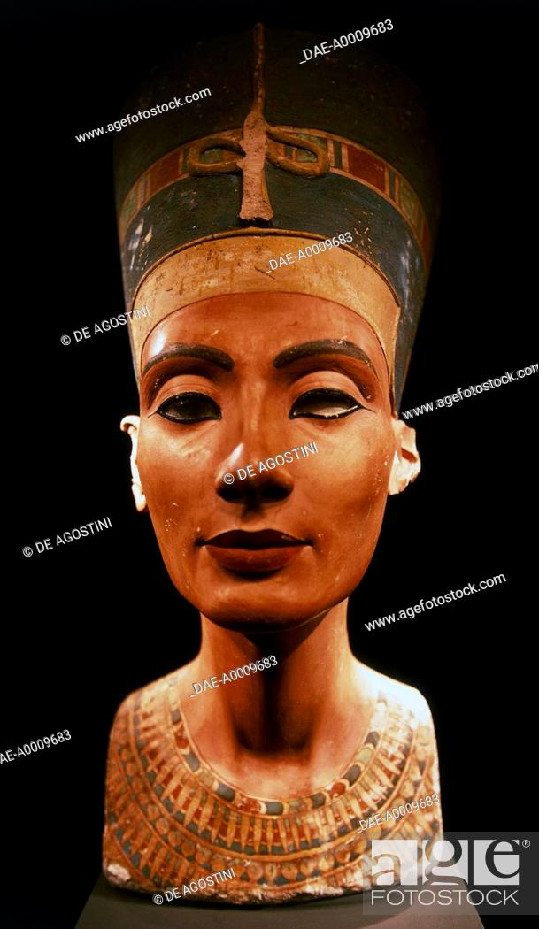 Stock Photo: Bust of queen Nefertiti (ca 1370-1330 BC), wife of pharaoh Akhenaten. Egyptian civilization, New Kingdom, XVIII Dynasty.  Berlin.