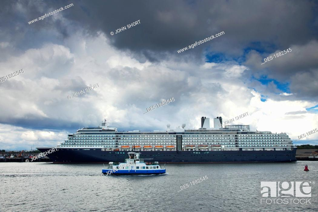 Stock Photo: Cruise Ship On The River Tyne, South Shields, Tyne And Wear, England.