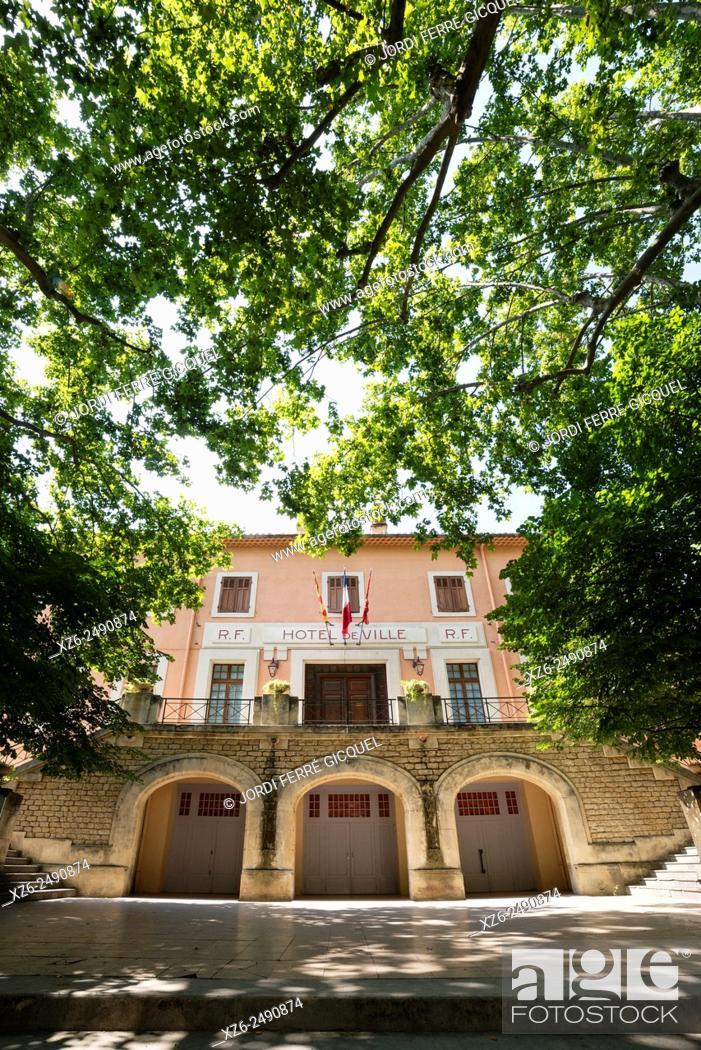 Imagen: Town Hall building, Fontaine-de-Vaucluse, Vaucluse, 84, Provence-Alpes-Côte d'Azur, France, Europe.