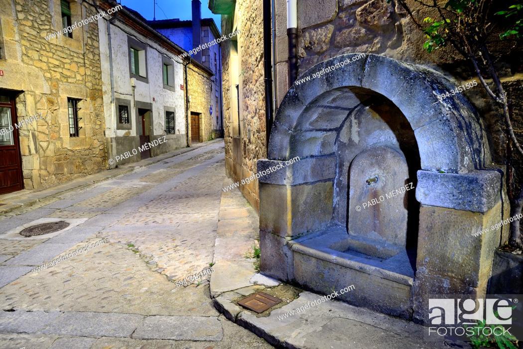 Stock Photo: Rustic fountain in Vinuesa, Soria, Spain.