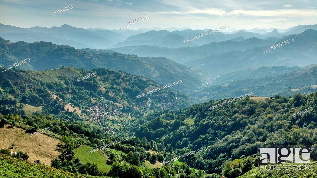 Imagen: Villoria valley, Paisaje Protegido de las Cuencas Mineras, Laviana municipality, Asturias, Spain.