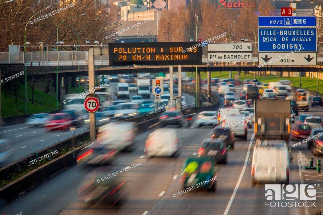 Stock Photo: ALTERNATE DAY DRIVING, POLLUTION ALERT IN PARIS, (75) PARIS, ILE-DE-FRANCE, FRANCE.