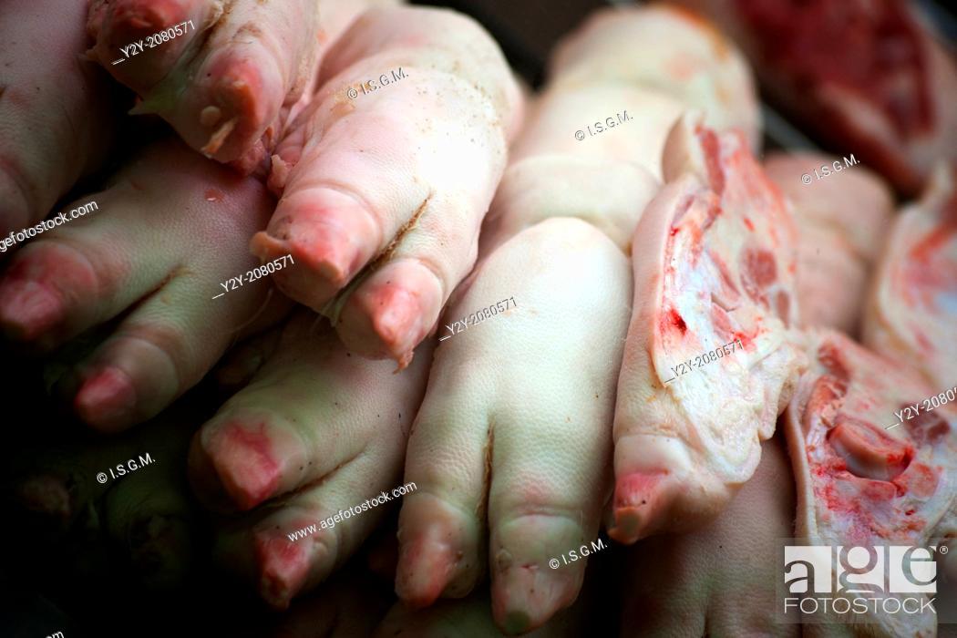 Stock Photo: Pig feet in Mercado Central, Valencia, Spain.