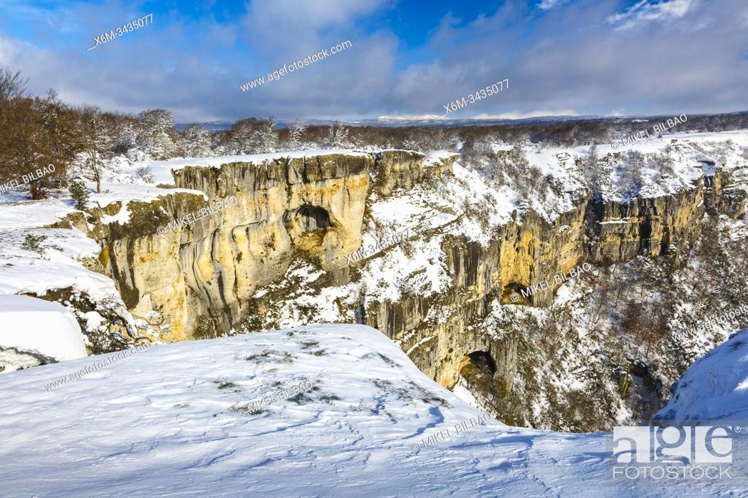 Stock Photo: Balcon de Pilatos viewpoint in winter. Urbasa-Andia Natural Park. Navarre, Spain, Europe.