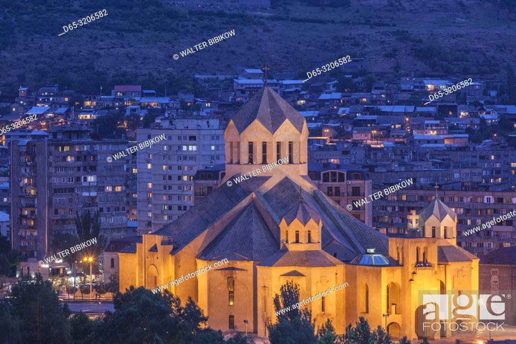 Photo de stock: Armenia, Yerevan, Surp Grigor Lusavorich Cathedral, exterior, high angle view, dusk.