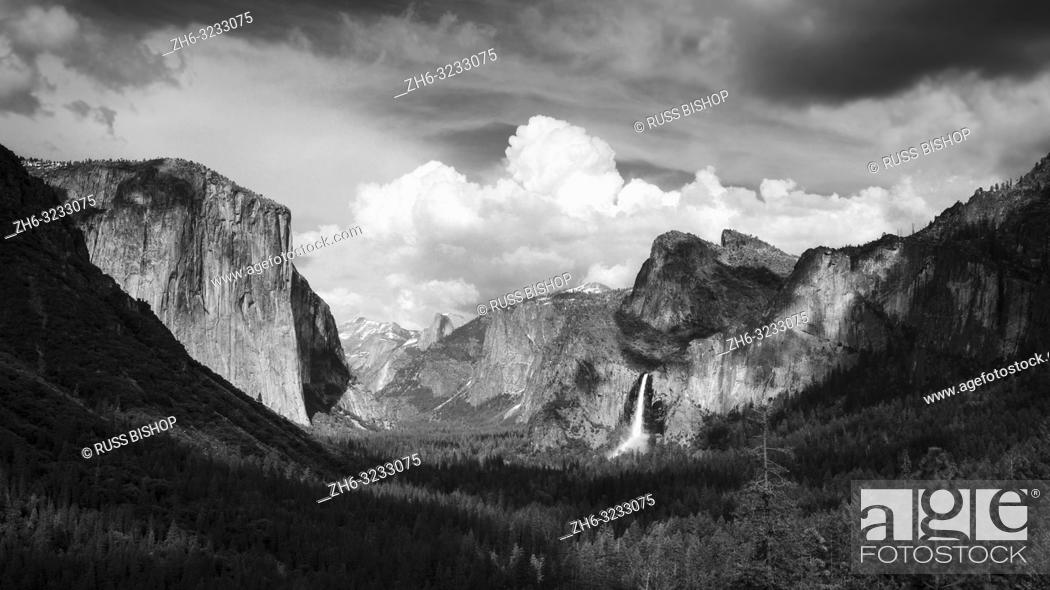 Imagen: Yosemite Valley from Tunnel View, Yosemite National Park, California USA.