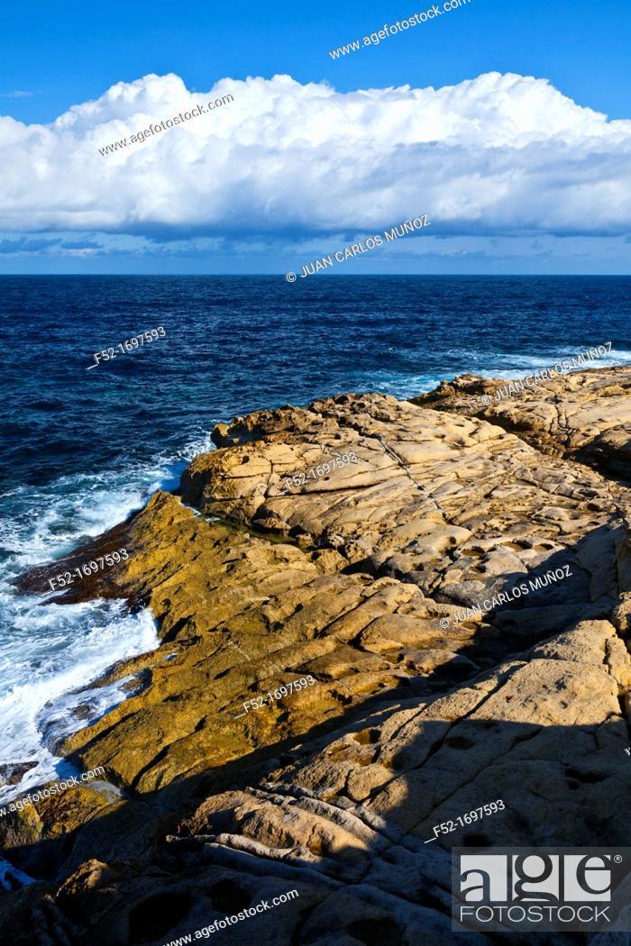 Stock Photo: Dahlet Qorrot Bay, Gozo Island, Malta, Europe.