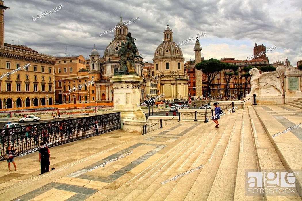 Stock Photo: Piazza di Venezia from Vittorio Emanuele II National Monument, Rome, Italy.