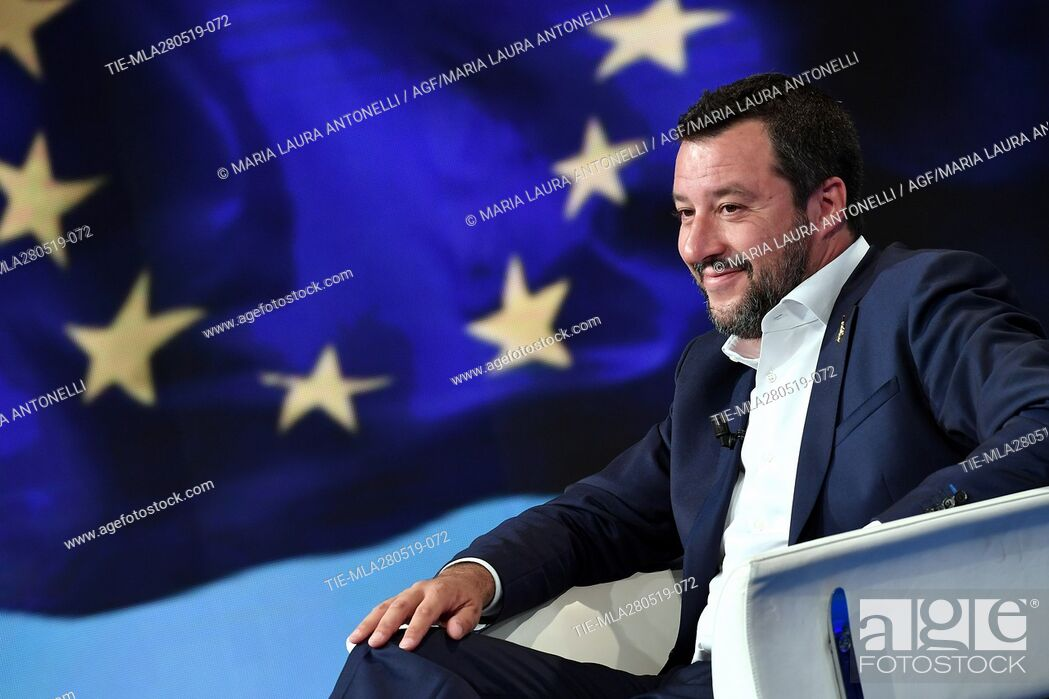 Photo de stock: Italian Deputy Prime Minister, Minister of Interior and leader of Lega party Matteo Salvini during the tv show Porta a porta, Rome, ITALY-27-05-2019.