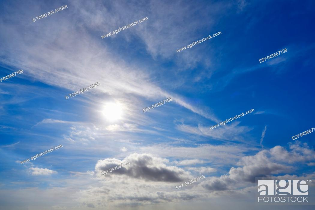 Imagen: perfect blue sky with clouds.