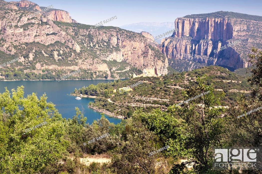 Stock Photo: Camarasa reservoir. Lerida. Cataluña. Spain. Europe.
