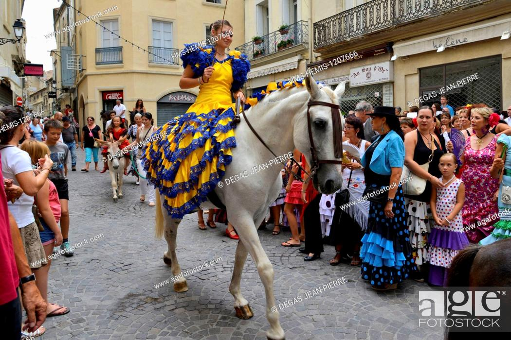 Stock Photo: France, Herault, Beziers, annual feria in the streets of the city, parade of the processional procession up to the cathedral Saint Nazaire during Romeria.