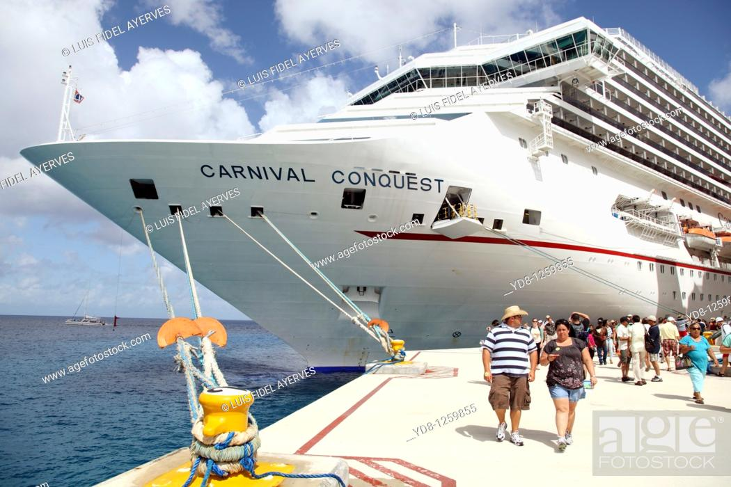Stock Photo: Cruise ship in the Port of Cozumel.