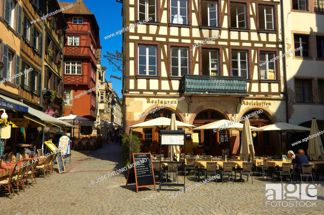 Stock Photo: Strasbourg, Cathedral square, UNESCO world heritage site, Place Kleber, Alsace, Bas Rhin, France, Europe.