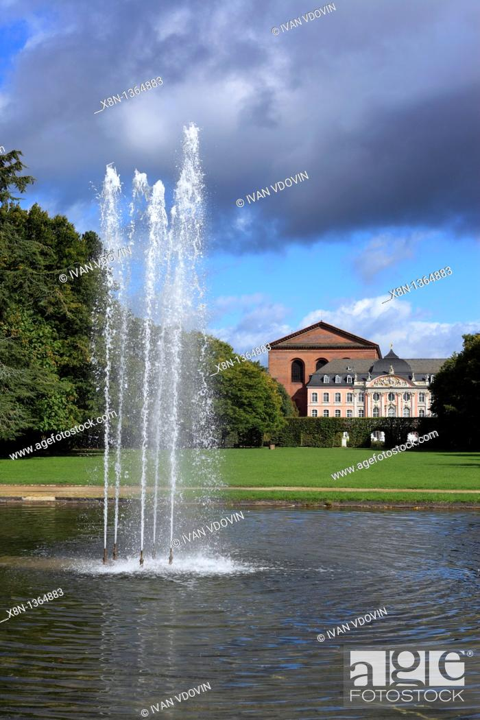 Stock Photo: Fountain in palace park, Trier, Rhineland-Palatinate, Germany.