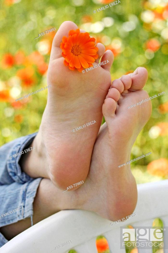 Stock Photo: Bare feet. Resting.
