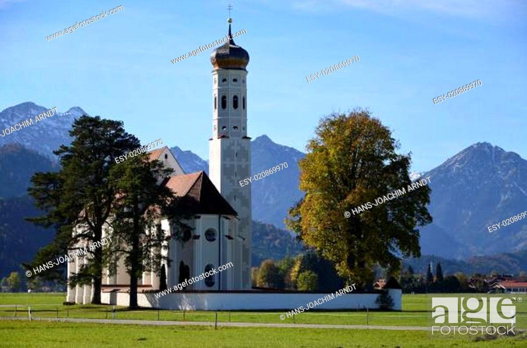 Stock Photo: St.Coloman vor Tannheimer Alpen, Ostallgäu.