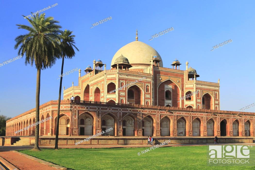 Stock Photo: Humayun Tomb, New Delhi, India.