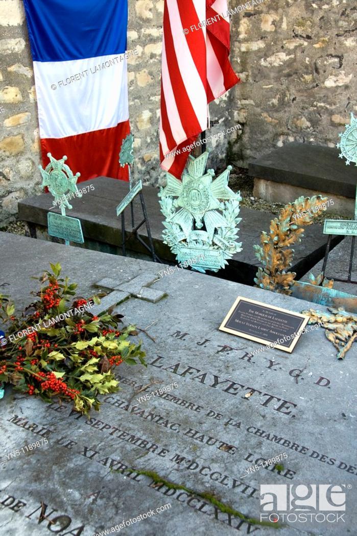 Stock Photo: France, Ile de France province, Departement of Paris 75, Paris 12th arrondissement   The grave in the Picpus cemetery of the general Lafayette.