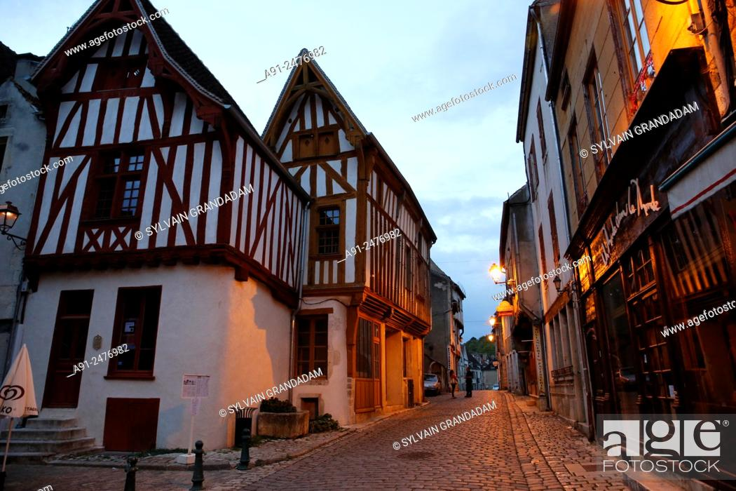 Stock Photo: France, Burgundy, department of Yonne, historic village of Noyers.