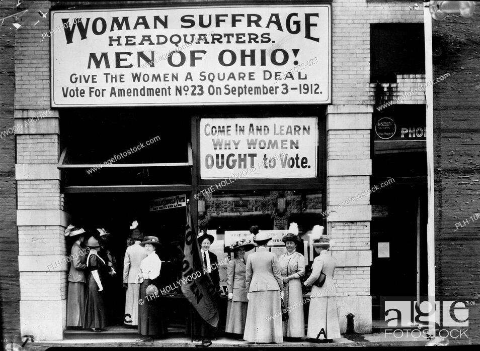 Stock Photo: Woman suffrage headquarters in Upper Euclid Avenue, Cleveland--A. (at extreme right) is Miss Belle Sherwin, President, National League of Women Voters; B.