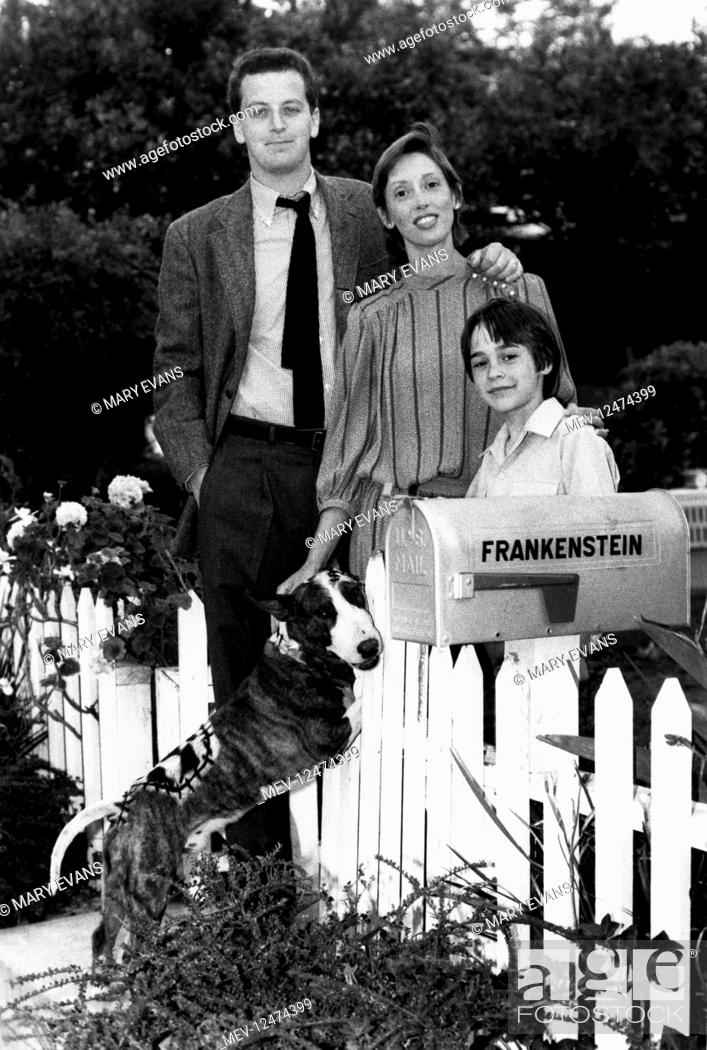 Sparky Daniel Stern Shelley Duvall Barret Oliver Characters Sparky Ben Frankenstein Stock Photo Picture And Rights Managed Image Pic Mev 12474399 Agefotostock