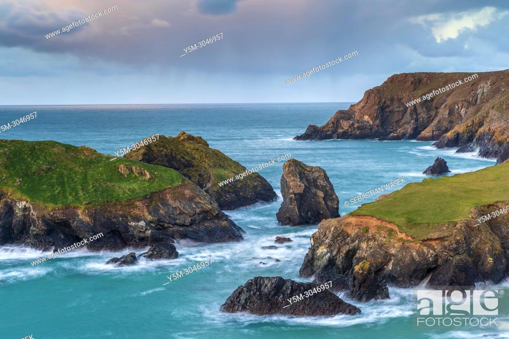 Stock Photo: Kynance Cove, Lizard Peninsula, Cornwall, England, United Kingdom, Europe.