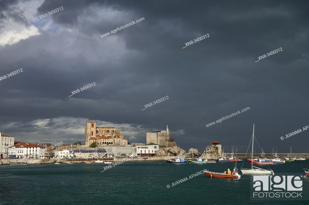 Stock Photo: Stormy Weather over Castro Urdiales, Cantabria, Spain, Europe.