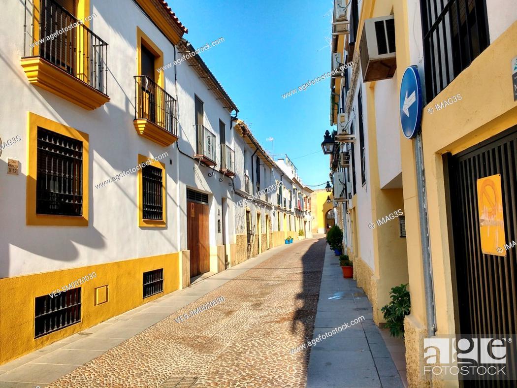 Stock Photo: Enmedio Street, Córdoba, Andalusia, Spain.