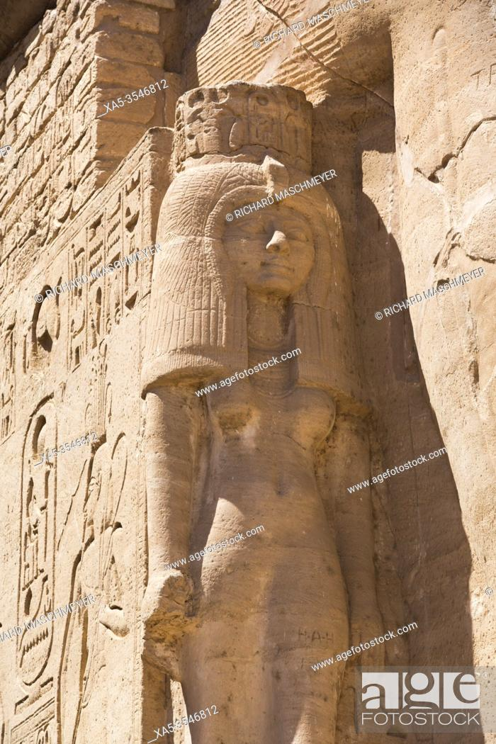Photo de stock: Nefetari Statue, Ramses II Temple, UNESCO World Heritage Site, Abu Simbel, Egypt.